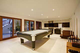 Trained pool table movers in Philadelphia