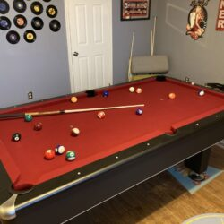 Black Diamond by Presidential Pool Table (Excellent Condition)